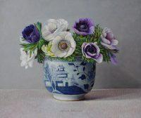 Chinese pot met anemonen